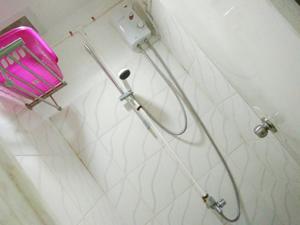 温水シャワー完備(3室)